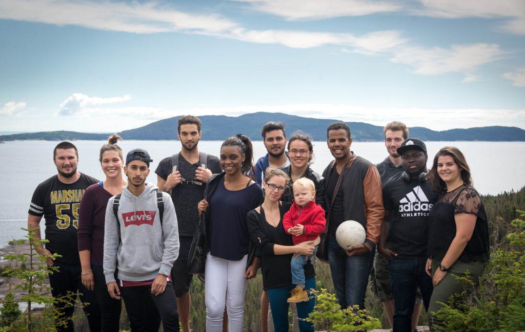 étudiants internationaux découvrant la nature nord-côtière